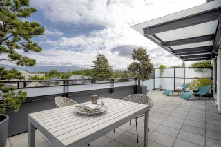 """Photo 1: PH10 2468 BAYSWATER Street in Vancouver: Kitsilano Condo for sale in """"THE BAYSWATER"""" (Vancouver West)  : MLS®# R2461523"""