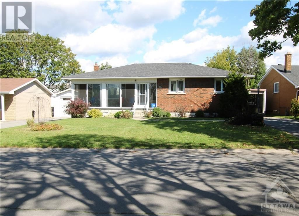 Main Photo: 114 SMITHFIELD CRESCENT in Kingston: House for sale : MLS®# 1263977