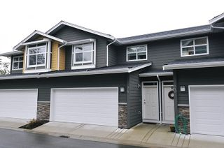 "Photo 1: 24 11461 236 Street in Maple Ridge: East Central Townhouse for sale in ""TWO BIRDS"" : MLS®# R2146030"