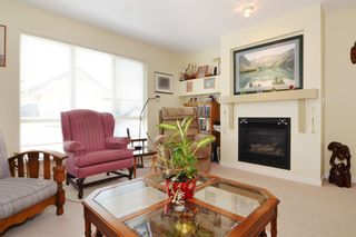 """Photo 11: 41 20350 68 Avenue in Langley: Willoughby Heights Townhouse for sale in """"SUNRIDGE"""" : MLS®# F1420781"""
