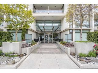 """Photo 1: 1607 1455 GEORGE Street: White Rock Condo for sale in """"Avra"""" (South Surrey White Rock)  : MLS®# R2558327"""