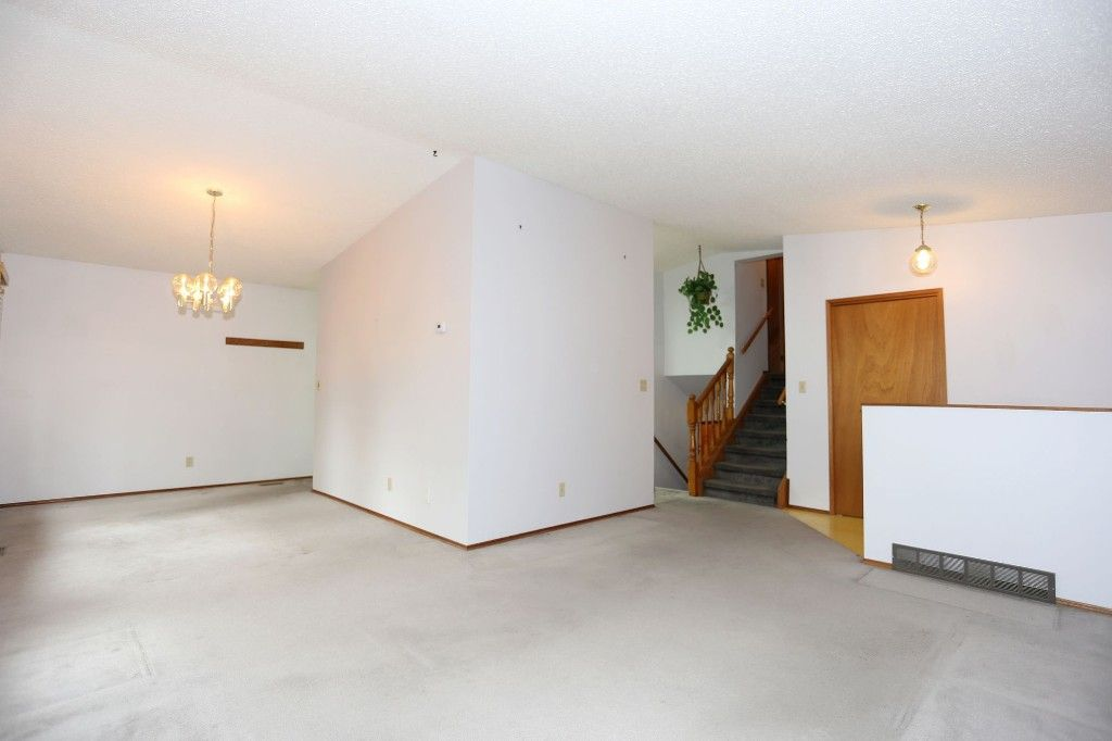 Photo 4: Photos: 68 Timberwood Trail in Winnipeg: Riverbend Single Family Detached for sale (4E)  : MLS®# 1725471