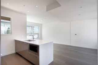 """Photo 2: 5209 CAMBIE Street in Vancouver: Cambie Townhouse for sale in """"Contessa"""" (Vancouver West)  : MLS®# R2552513"""