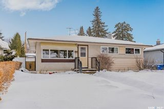 Photo 2: 450 Montreal Avenue South in Saskatoon: Meadowgreen Residential for sale : MLS®# SK841221