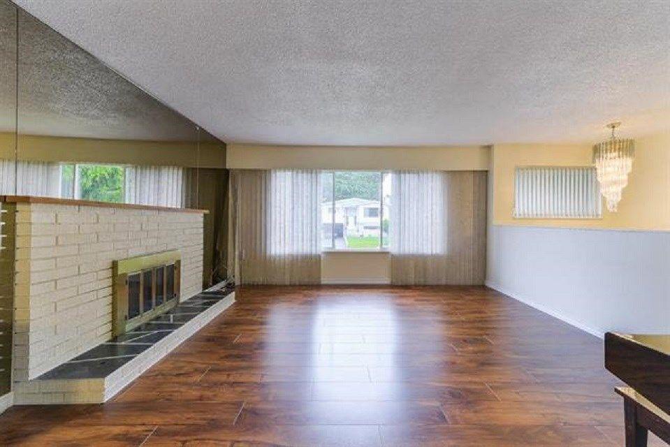Photo 3: Photos: 9990 125 Street in Surrey: Cedar Hills House for sale (North Surrey)  : MLS®# R2395514
