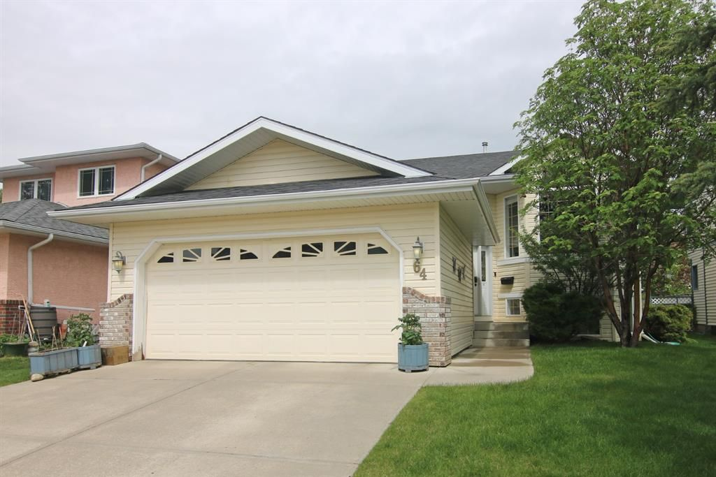 Main Photo: 64 Arbour Glen Close NW in Calgary: Arbour Lake Detached for sale : MLS®# A1117884