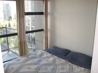 """Photo 8: 802 1295 RICHARDS Street in Vancouver: Downtown VW Condo for sale in """"OSCAR"""" (Vancouver West)  : MLS®# R2213987"""