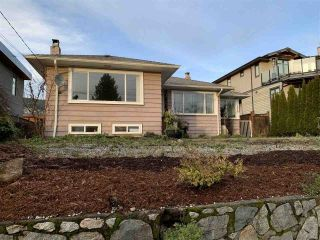 Main Photo: 1219 FULTON Avenue in West Vancouver: Ambleside House for sale : MLS®# R2526933