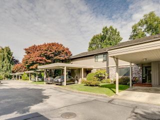 Photo 3: 10 11771 KINGFISHER Drive in Richmond: Westwind Townhouse for sale : MLS®# R2620776