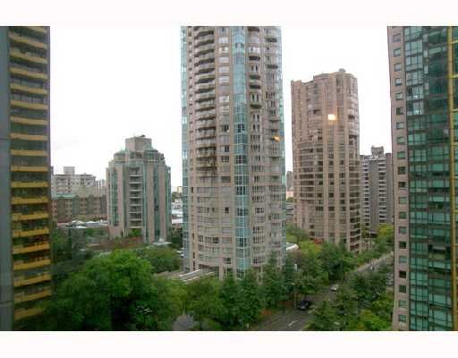 """Photo 9: Photos: 1201 1288 W GEORGIA Street in Vancouver: West End VW Condo for sale in """"RESIDENCES ON GEORGIA"""" (Vancouver West)  : MLS®# V662546"""