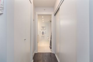 Photo 14: 300 160 W 3RD STREET in North Vancouver: Lower Lonsdale Condo for sale : MLS®# R2399108
