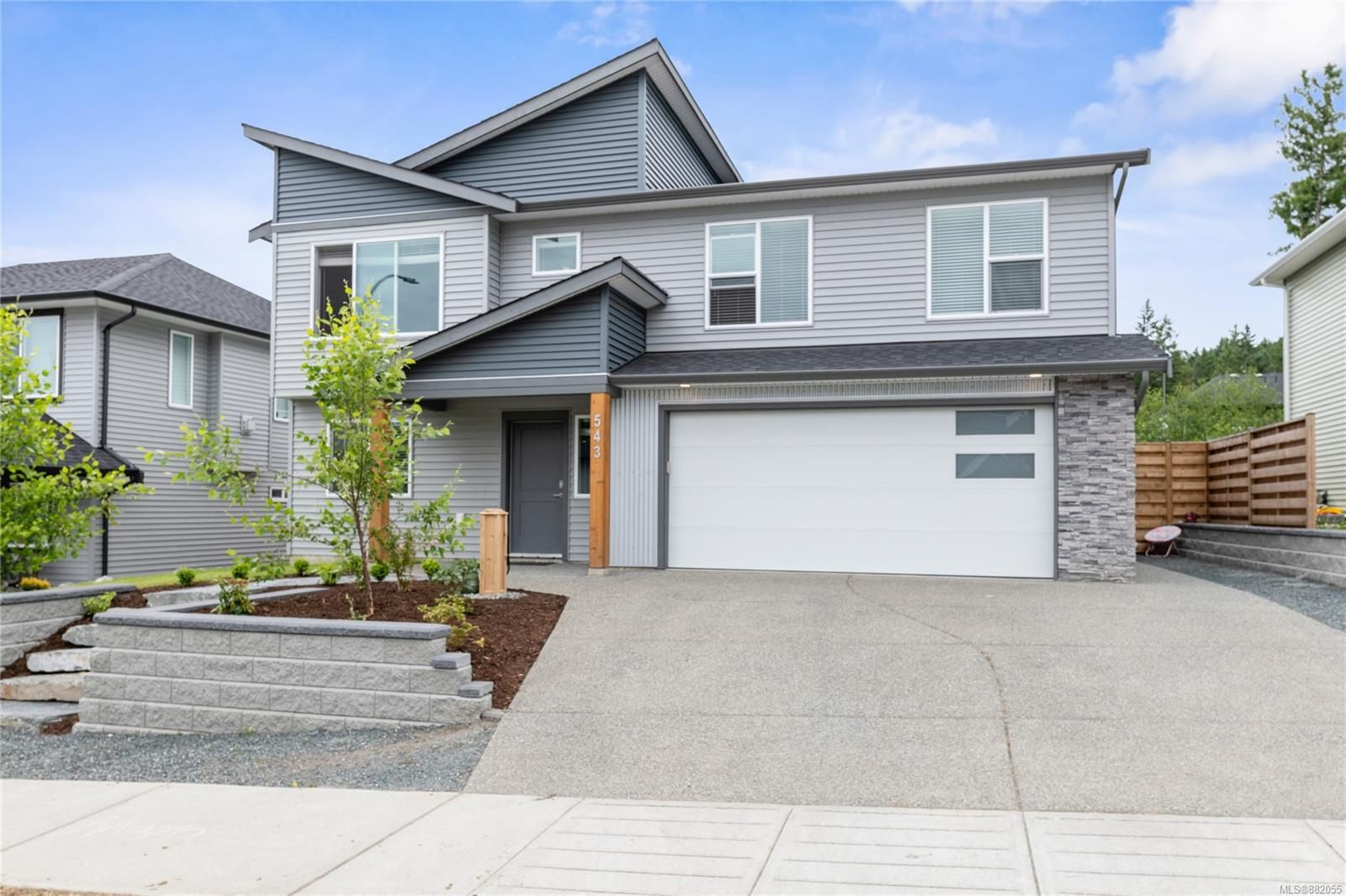 Main Photo: 543 Grewal Pl in Nanaimo: Na University District House for sale : MLS®# 882055