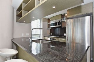 """Photo 4: 1003 833 SEYMOUR Street in Vancouver: Downtown VW Condo for sale in """"CAPITOL RESIDENCES"""" (Vancouver West)  : MLS®# R2098588"""