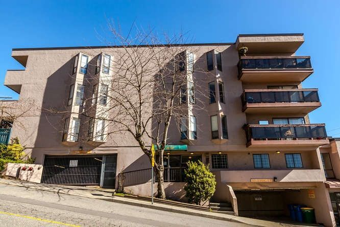 Main Photo: 302 45 FOURTH Street in New Westminster: Downtown NW Condo for sale : MLS®# R2248538