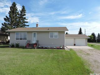 Photo 2: 101 Railway Avenue in Theodore: Residential for sale : MLS®# SK841658