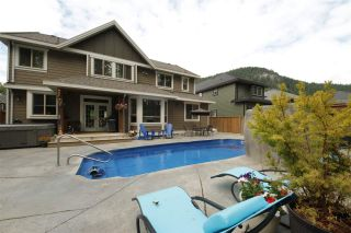 Photo 19: 41437 DRYDEN Road in Squamish: Brackendale House for sale : MLS®# R2088183