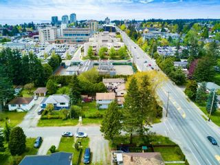 Photo 2: 1589 MAPLE Street: White Rock House for sale (South Surrey White Rock)  : MLS®# R2081712