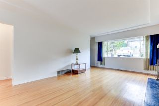 Photo 6: 18 N SEA Avenue in Burnaby: Capitol Hill BN House for sale (Burnaby North)  : MLS®# R2527053