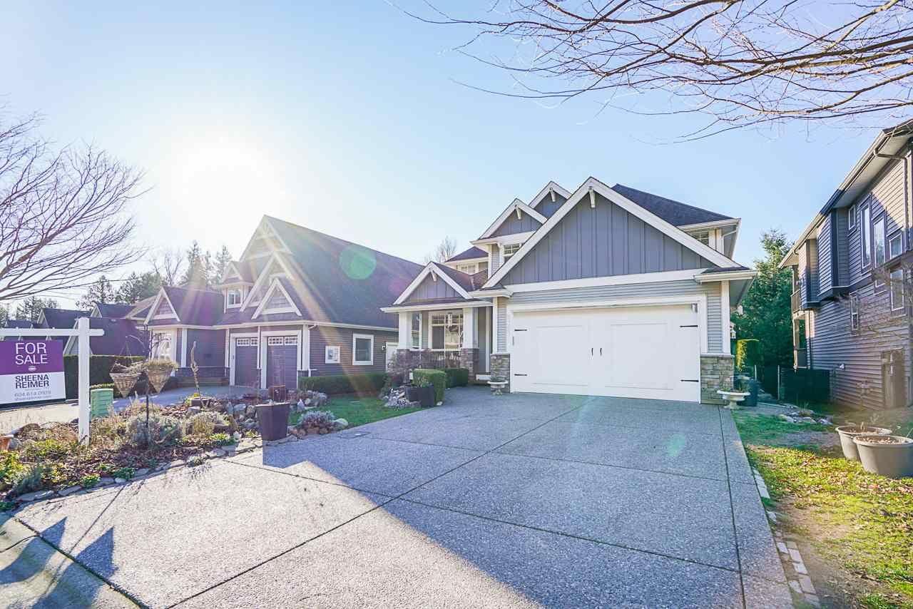 """Main Photo: 2327 CAMERON Crescent in Abbotsford: Abbotsford East House for sale in """"DEERWOOD ESTATES"""" : MLS®# R2531839"""