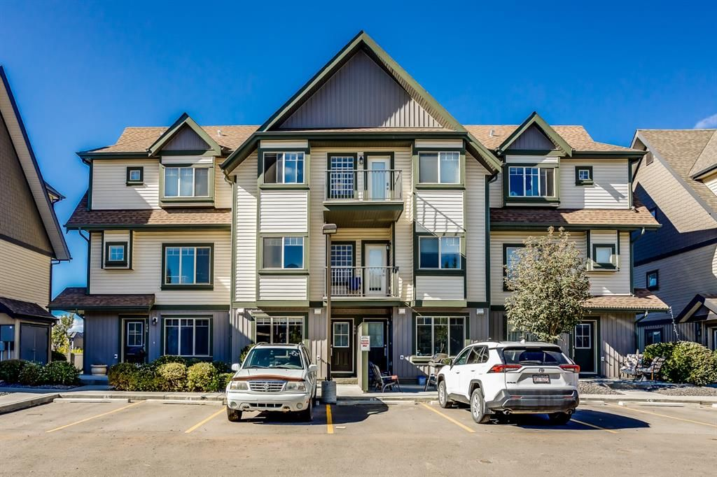 Main Photo: 608 121 Copperpond Common SE in Calgary: Copperfield Row/Townhouse for sale : MLS®# A1147160
