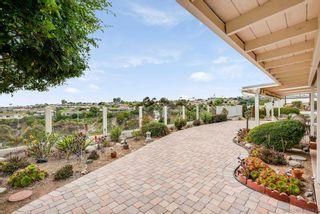 Photo 10: LA JOLLA House for sale : 3 bedrooms : 2322 Bahia Dr