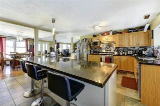 Photo 3: 6093 Ellison Avenue, in Peachland: House for sale : MLS®# 10239343