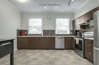 """Photo 5: 35 11067 BARNSTON VIEW Road in Pitt Meadows: South Meadows Townhouse for sale in """"COHO"""" : MLS®# R2344375"""