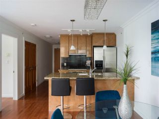 """Photo 2: 1006 1189 MELVILLE Street in Vancouver: Coal Harbour Condo for sale in """"The Melville"""" (Vancouver West)  : MLS®# R2519341"""