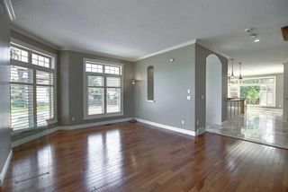 Photo 4: 529 21 Avenue NE in Calgary: Winston Heights/Mountview Semi Detached for sale : MLS®# A1123829