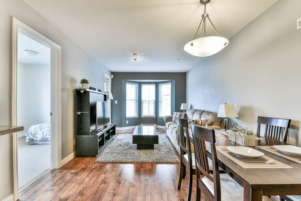 """Photo 7: Photos: 210 5474 198 Street in Langley: Langley City Condo for sale in """"Southbrook"""" : MLS®# R2285967"""