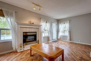Photo 14: 33 SILVERGROVE Close NW in Calgary: Silver Springs Row/Townhouse for sale : MLS®# C4300784