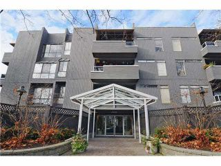 """Photo 1: 305 2885 SPRUCE Street in Vancouver: Fairview VW Condo  in """"FAIRVIEW GARDENS"""" (Vancouver West)  : MLS®# V1104941"""