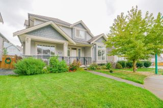 Photo 2: 6940 195A Street in Surrey: Clayton House for sale (Cloverdale)  : MLS®# R2616936