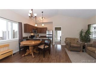 Photo 2: 3210 Kettle Creek Cres in VICTORIA: La Langford Lake House for sale (Langford)  : MLS®# 750637