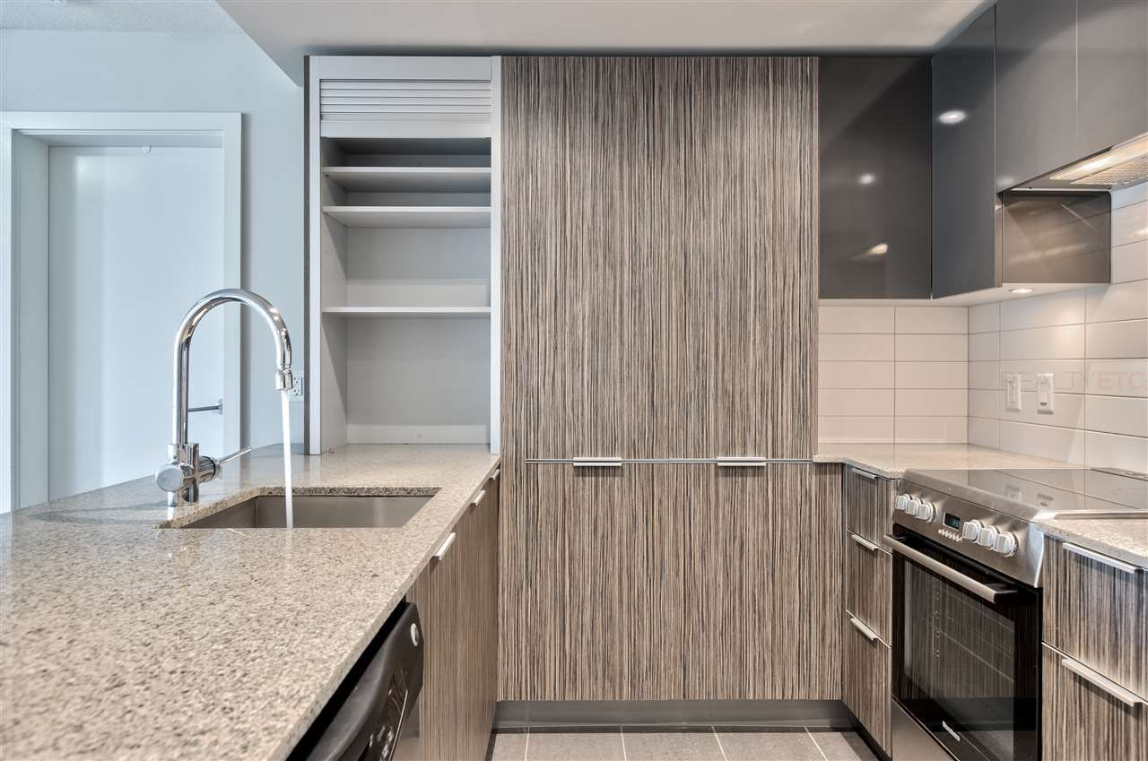 """Main Photo: 617 1088 RICHARDS Street in Vancouver: Yaletown Condo for sale in """"RICHARDS LIVING"""" (Vancouver West)  : MLS®# R2510483"""