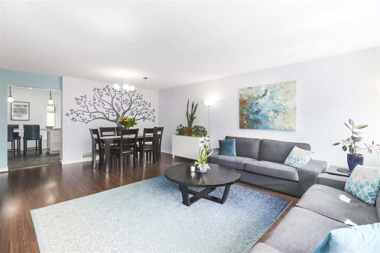 """Photo 8: Photos: 8881 LARKFIELD Drive in Burnaby: Forest Hills BN Townhouse for sale in """"PRIMROSE HILL"""" (Burnaby North)  : MLS®# R2494951"""
