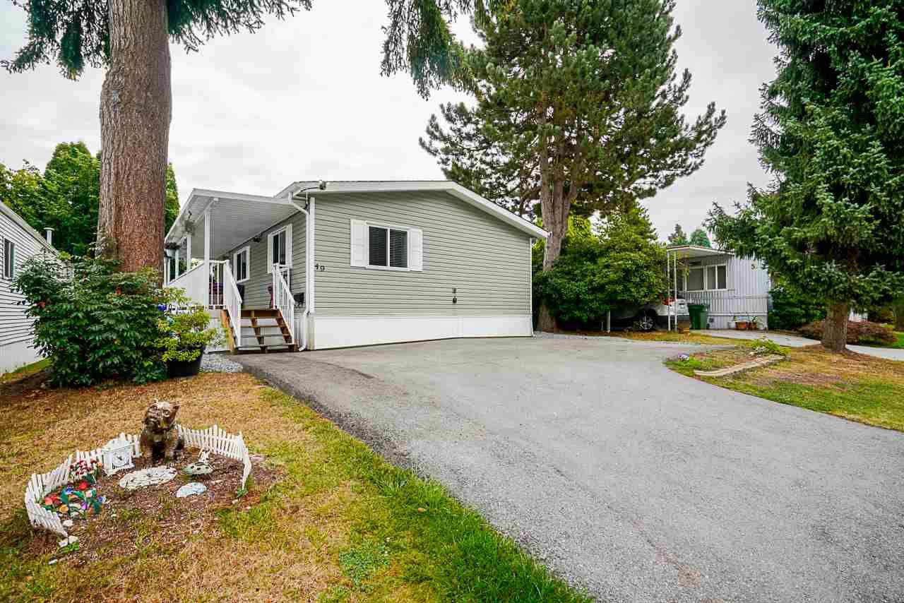"""Main Photo: 49 7790 KING GEORGE Boulevard in Surrey: East Newton Manufactured Home for sale in """"CRISPEN BAYS"""" : MLS®# R2493696"""