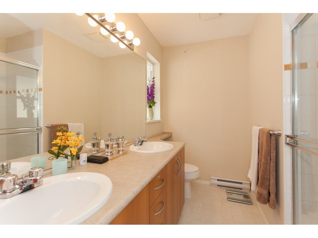 Photo 12: Photos: 48 6747 203 Street in Langley: Willoughby Heights Townhouse for sale : MLS®# R2202915