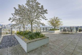 """Photo 2: 903 2411 HEATHER Street in Vancouver: Fairview VW Condo for sale in """"700 West 8th"""" (Vancouver West)  : MLS®# R2259809"""