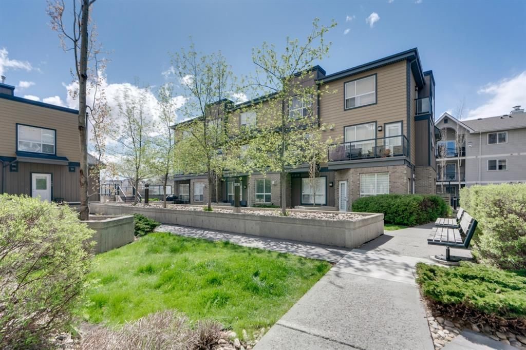 Main Photo: 112 2420 34 Avenue SW in Calgary: South Calgary Apartment for sale : MLS®# A1109892