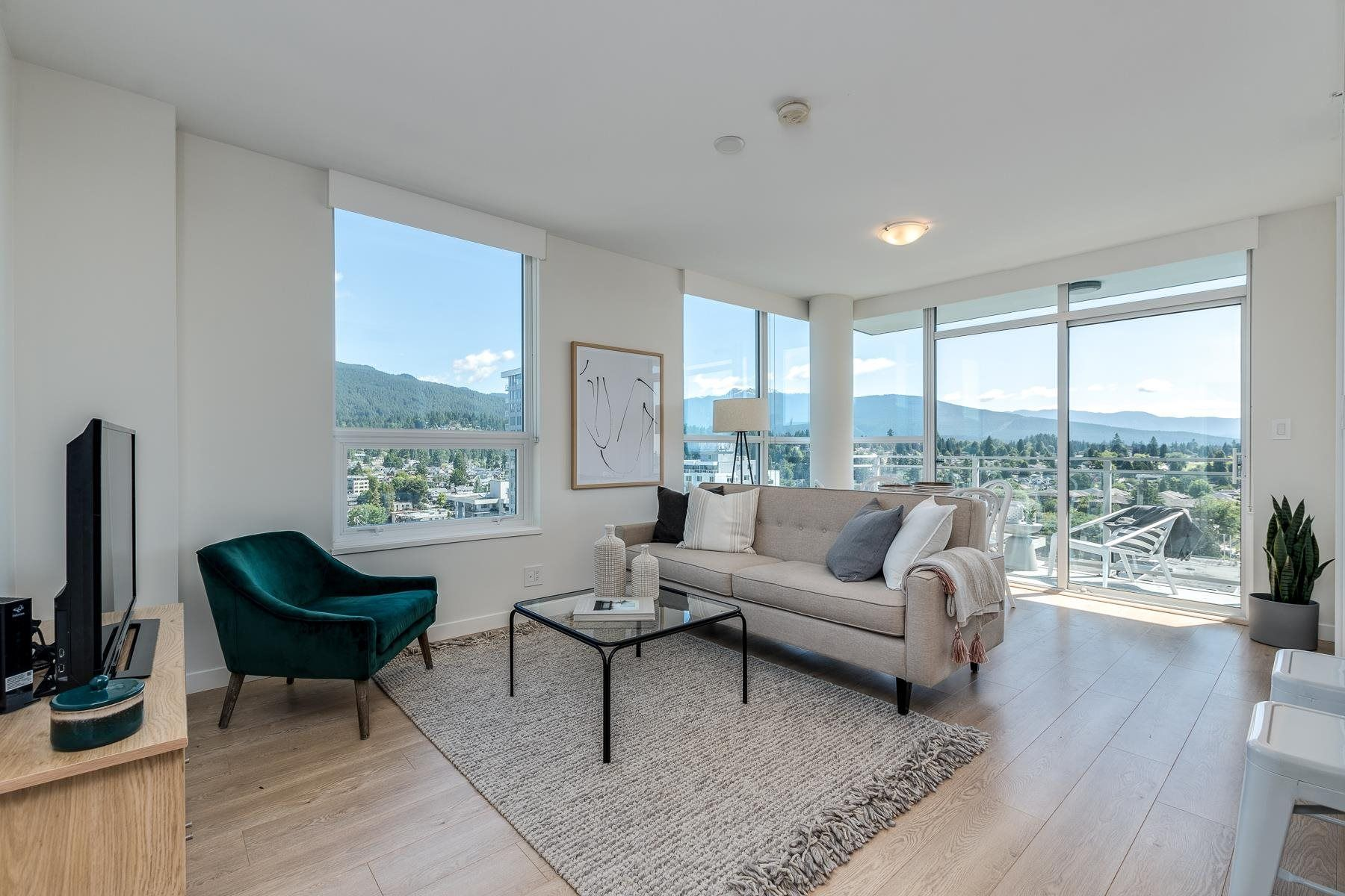 """Main Photo: 1809 125 E 14TH Street in North Vancouver: Central Lonsdale Condo for sale in """"Centerview"""" : MLS®# R2594384"""