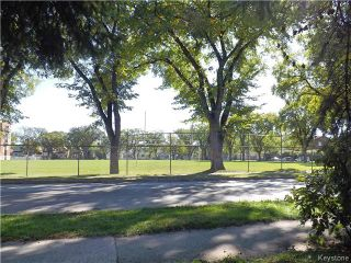 Photo 2: 850 Banning Street in Winnipeg: Sargent Park Residential for sale (5C)  : MLS®# 1624666