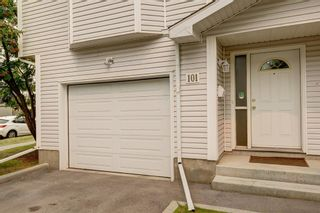 Photo 3: 101 Glenbrook Villas SW in Calgary: Glenbrook Row/Townhouse for sale : MLS®# A1141903