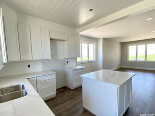 Photo 16: 818 Conquest Avenue in Outlook: Residential for sale : MLS®# SK860876