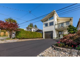 """Photo 2: 866 STEVENS Street: White Rock House for sale in """"west view"""" (South Surrey White Rock)  : MLS®# R2505074"""