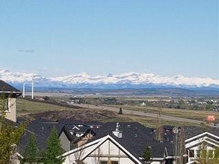 Photo 3: 7 CRESTRIDGE Point SW in Calgary: Crestmont Detached for sale : MLS®# C4306010
