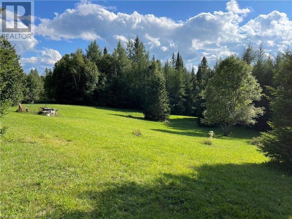Main Photo: 300 HAMILTON LAKE Road in South River: Vacant Land for sale : MLS®# 40159931