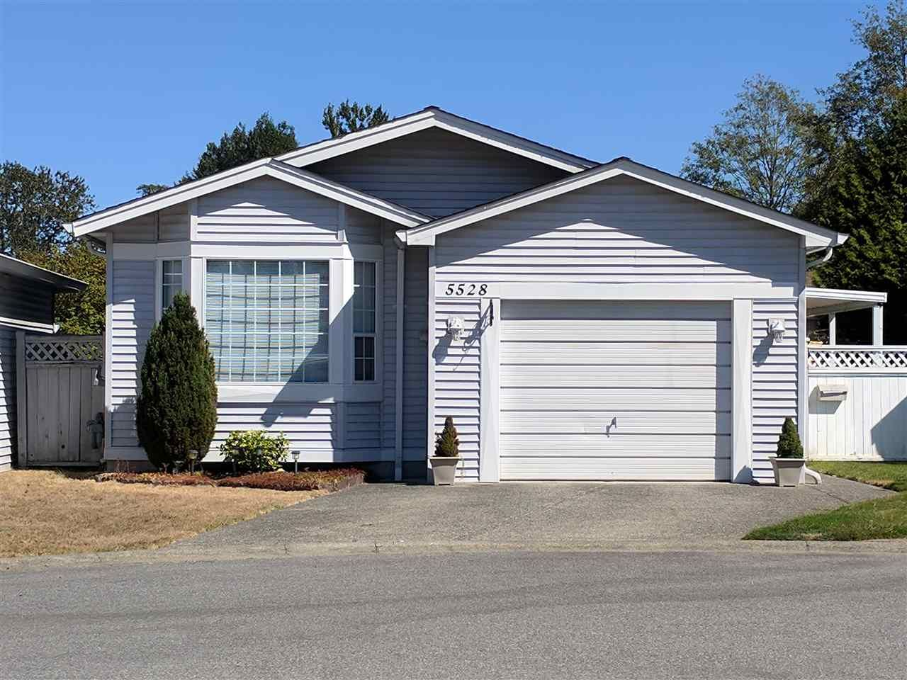 """Main Photo: 5528 SPINNAKER Bay in Delta: Neilsen Grove House for sale in """"SOUTHPOINTE"""" (Ladner)  : MLS®# R2203224"""