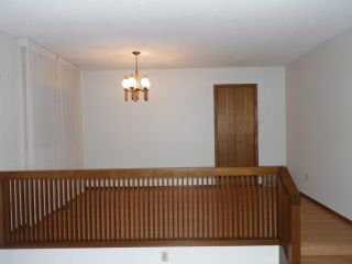 Photo 4: 42 KOWALL Bay in WINNIPEG: Maples / Tyndall Park Residential for sale (North West Winnipeg)  : MLS®# 1302658