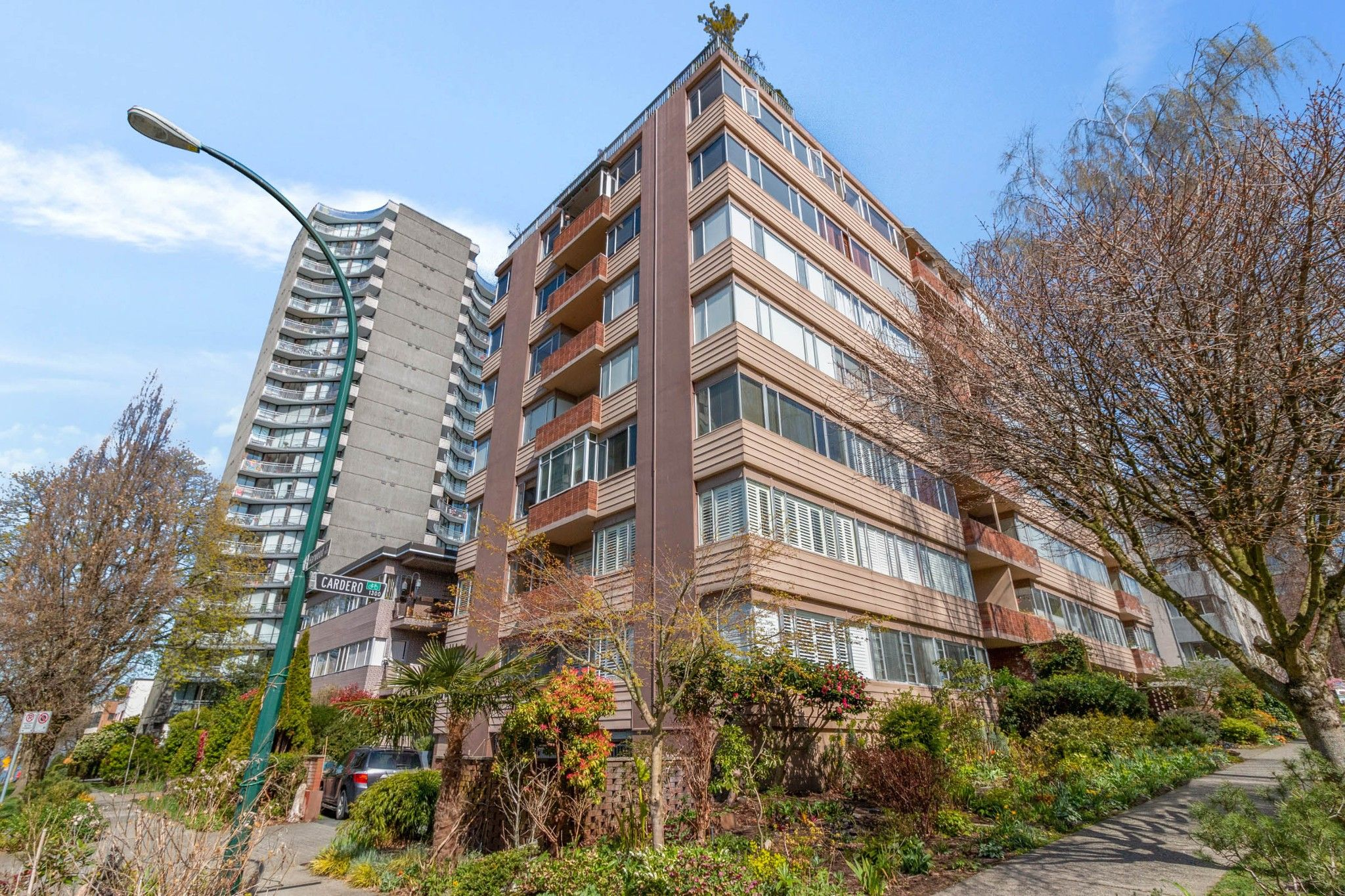 """Main Photo: 703 1315 CARDERO Street in Vancouver: West End VW Condo for sale in """"DIANNE COURT"""" (Vancouver West)  : MLS®# R2562868"""